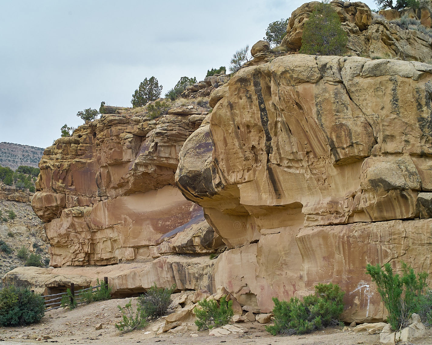 20120517_Sego-canyon-rock-art_001